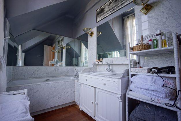location-vacances-biarritz-villa-chateau-piscine-parc-d-hiver-parking-jardin-terasse-065