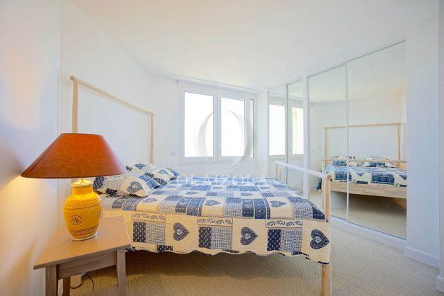 ocation-vacances-bidart-T2-roseraie-piscine-parking-plages-ilbarritz-vue-mer-017