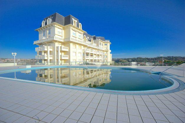 ocation-vacances-bidart-T2-roseraie-piscine-parking-plages-ilbarritz-vue-mer-023