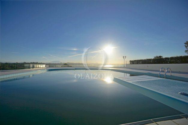 ocation-vacances-bidart-T2-roseraie-piscine-parking-plages-ilbarritz-vue-mer-025