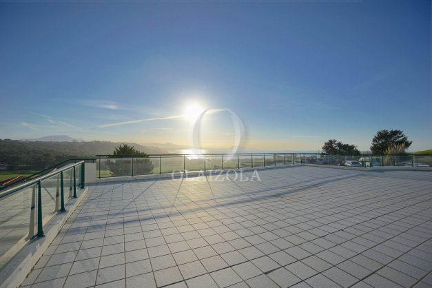 ocation-vacances-bidart-T2-roseraie-piscine-parking-plages-ilbarritz-vue-mer-026