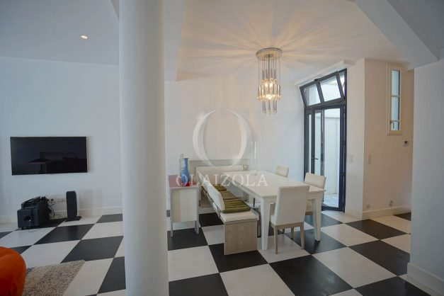 location-vacance-biarritz-centre-ville-renove-balcon-terrasse-plage-a-pied-jardin-public-ensoleillee-008