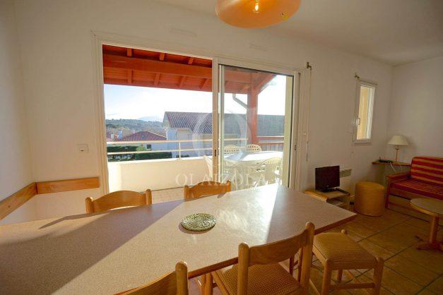location-vacances-T2-1er etage-terrasse-piscine-parking-Biarritz-ilbarritz-milady-plage-a-pied-003