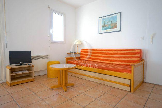 location-vacances-T2-1er etage-terrasse-piscine-parking-Biarritz-ilbarritz-milady-plage-a-pied-005