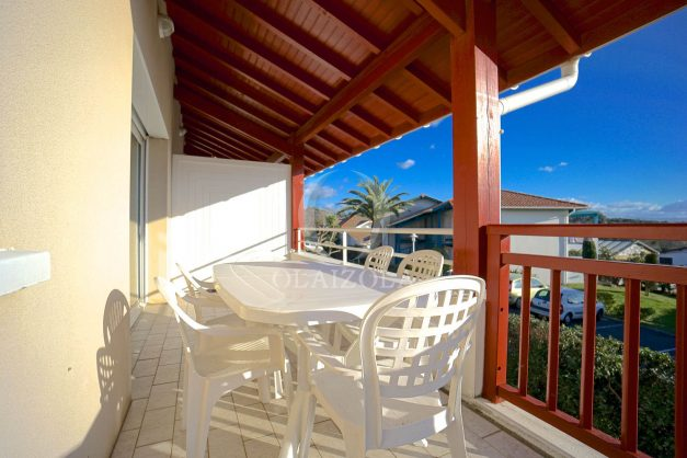 location-vacances-T2-1er etage-terrasse-piscine-parking-Biarritz-ilbarritz-milady-plage-a-pied-009