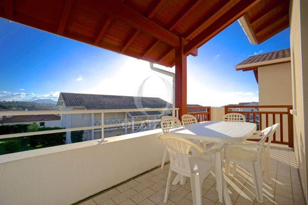 location-vacances-T2-1er etage-terrasse-piscine-parking-Biarritz-ilbarritz-milady-plage-a-pied-011