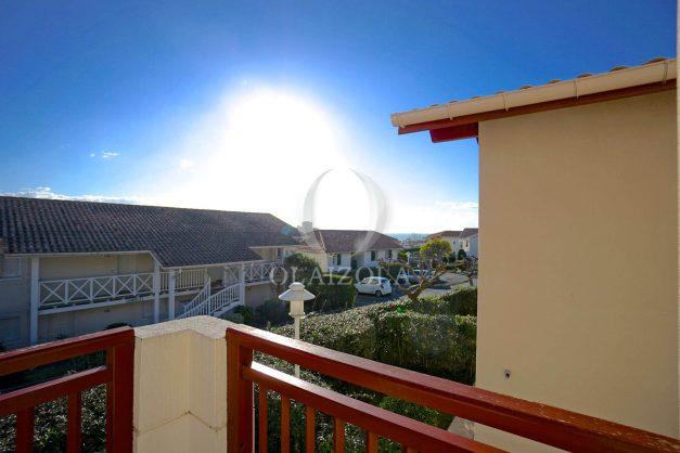 location-vacances-T2-1er etage-terrasse-piscine-parking-Biarritz-ilbarritz-milady-plage-a-pied-012