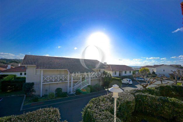 location-vacances-T2-1er etage-terrasse-piscine-parking-Biarritz-ilbarritz-milady-plage-a-pied-013