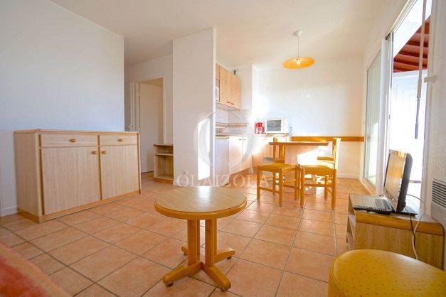 location-vacances-T2-1er etage-terrasse-piscine-parking-Biarritz-ilbarritz-milady-plage-a-pied-015