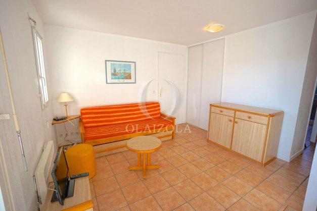 location-vacances-T2-1er etage-terrasse-piscine-parking-Biarritz-ilbarritz-milady-plage-a-pied-017