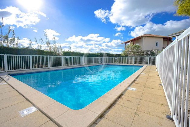 location-vacances-T2-1er etage-terrasse-piscine-parking-Biarritz-ilbarritz-milady-plage-a-pied-020