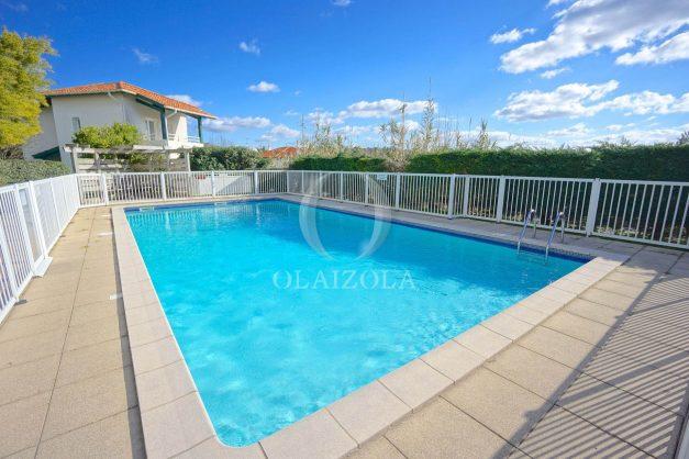 location-vacances-T2-1er etage-terrasse-piscine-parking-Biarritz-ilbarritz-milady-plage-a-pied-025