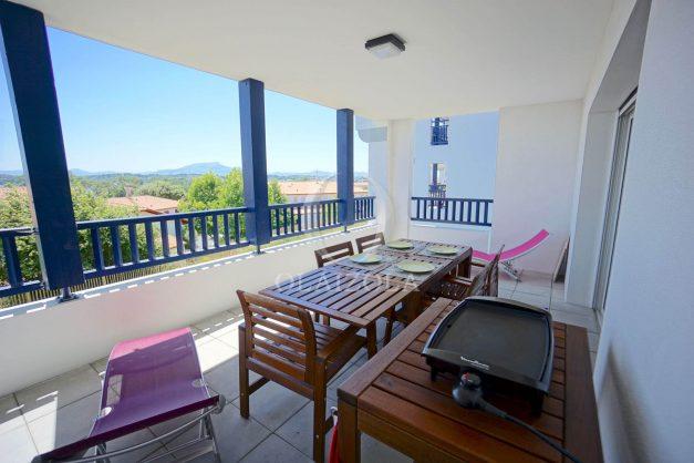 location-vacances-T3-bidart-terrasse-sud-ensoleillee-parking-plage-a-pied-001