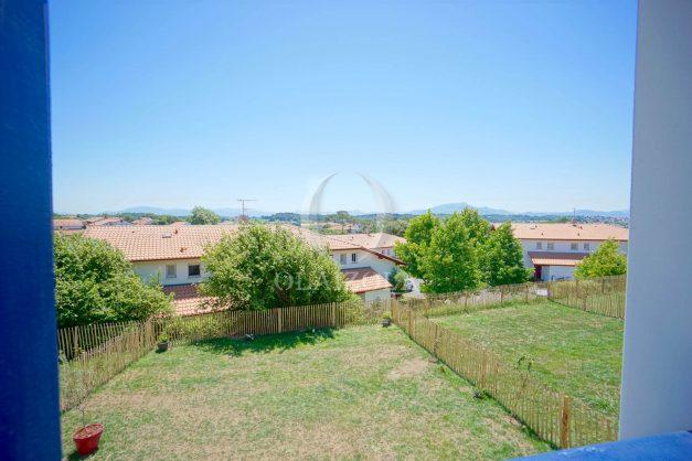 location-vacances-T3-bidart-terrasse-sud-ensoleillee-parking-plage-a-pied-003