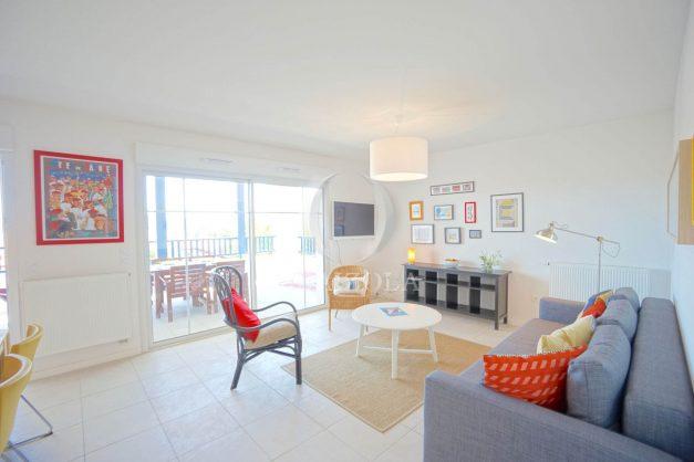 location-vacances-T3-bidart-terrasse-sud-ensoleillee-parking-plage-a-pied-014