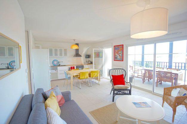 location-vacances-T3-bidart-terrasse-sud-ensoleillee-parking-plage-a-pied-016