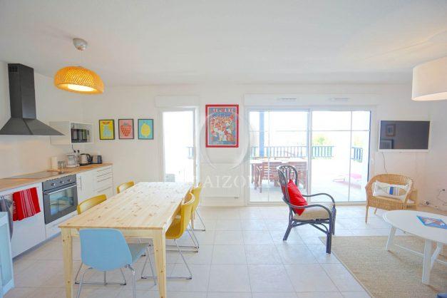location-vacances-T3-bidart-terrasse-sud-ensoleillee-parking-plage-a-pied-022