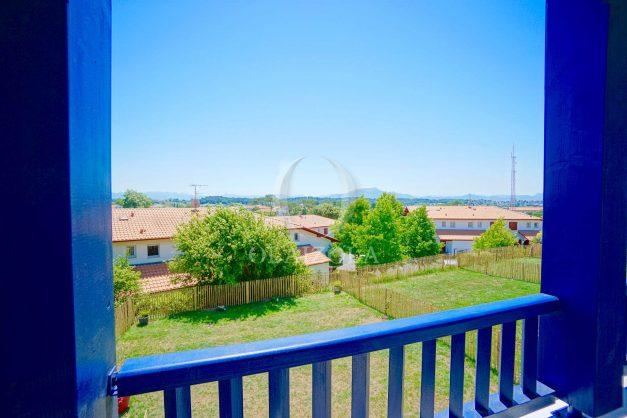 location-vacances-T3-bidart-terrasse-sud-ensoleillee-parking-plage-a-pied-028