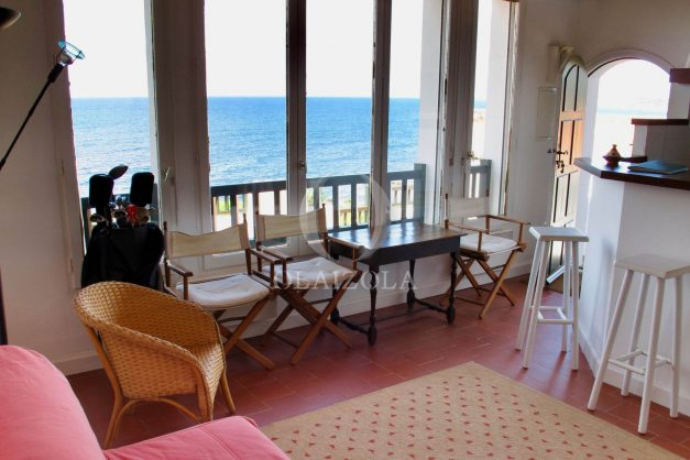 location-vacances-appartement-saint-jean-de-luz-vue-mer-villa-santa-barbara-terrasse-parking-plage-a-pied-004
