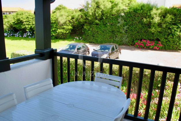 location-vacances-appartement-saint-jean-de-luz-vue-mer-villa-santa-barbara-terrasse-parking-plage-a-pied-019