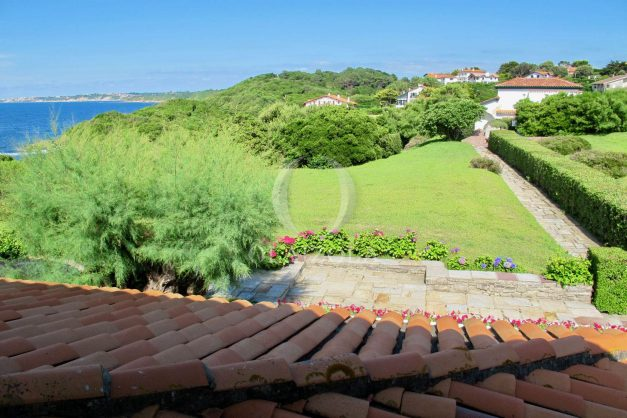 location-vacances-appartement-saint-jean-de-luz-vue-mer-villa-santa-barbara-terrasse-parking-plage-a-pied-022