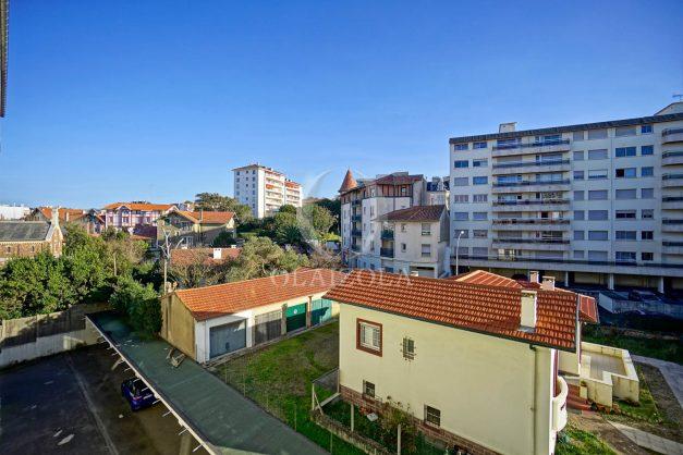 location-vacances-biarritz-appartement-centre-ville-grande-plage-a-pied-balcon-terrasse-ensoleillee-2021-002