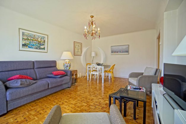 location-vacances-biarritz-appartement-centre-ville-grande-plage-a-pied-balcon-terrasse-ensoleillee-2021-005