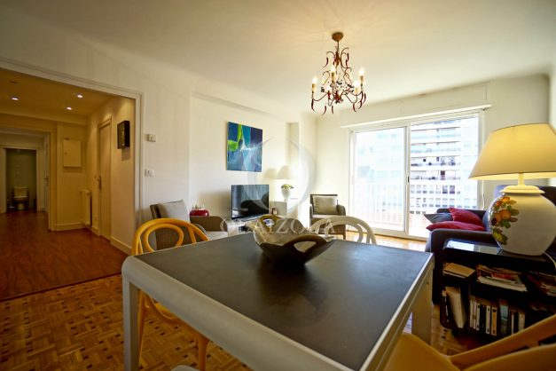 location-vacances-biarritz-appartement-centre-ville-grande-plage-a-pied-balcon-terrasse-ensoleillee-2021-010