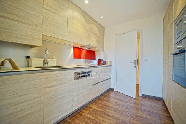 location-vacances-biarritz-appartement-centre-ville-grande-plage-a-pied-balcon-terrasse-ensoleillee-2021-011