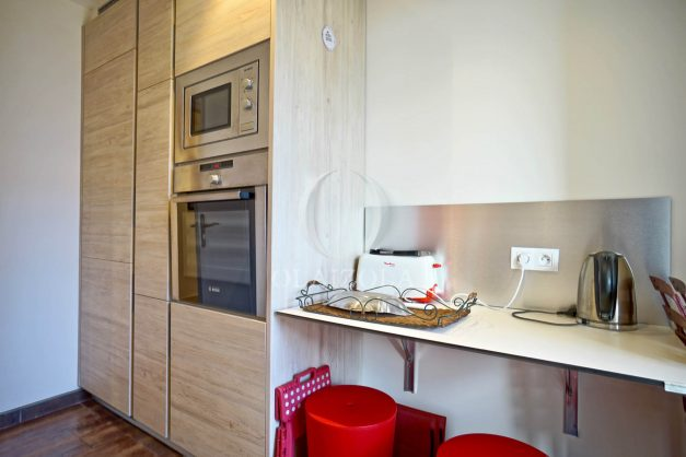 location-vacances-biarritz-appartement-centre-ville-grande-plage-a-pied-balcon-terrasse-ensoleillee-2021-013