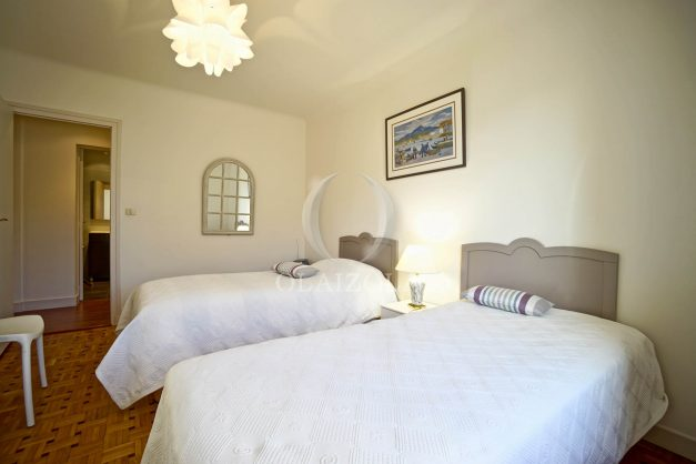 location-vacances-biarritz-appartement-centre-ville-grande-plage-a-pied-balcon-terrasse-ensoleillee-2021-020
