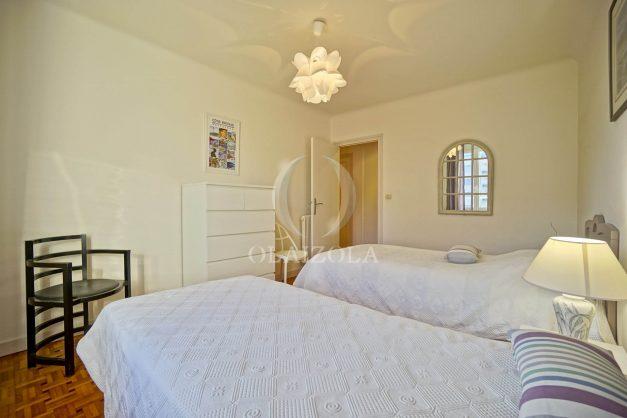 location-vacances-biarritz-appartement-centre-ville-grande-plage-a-pied-balcon-terrasse-ensoleillee-2021-021