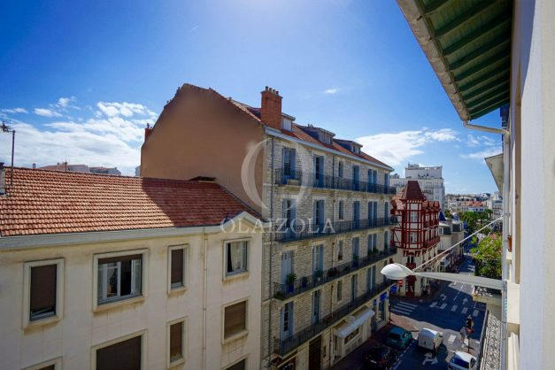 location-vacances-biarritz-appartement-centre-ville-parking-neuf-grande-plage-a-pied-007