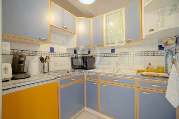 location-vacances-biarritz-appartement-quartier-saint-charles-avec-terrasse-plage-a-pied-009