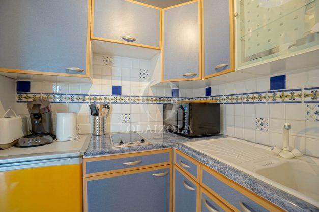 location-vacances-biarritz-appartement-quartier-saint-charles-avec-terrasse-plage-a-pied-010