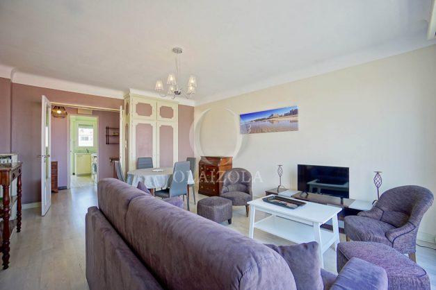 location-vacances-biarritz-appartement-renove-6eme-vue-mer-traversant-centre-ville-tout-a-pied-balcon-010