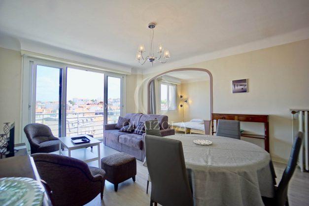 location-vacances-biarritz-appartement-renove-6eme-vue-mer-traversant-centre-ville-tout-a-pied-balcon-013