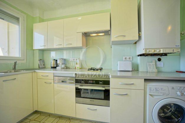 location-vacances-biarritz-appartement-renove-6eme-vue-mer-traversant-centre-ville-tout-a-pied-balcon-019