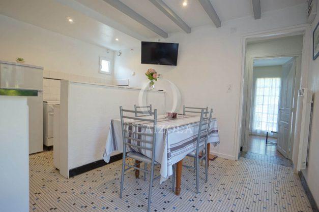 location-vacances-biarritz-ascain-appartement-3-pièces-terrasse-couverte-ensoleillee-009