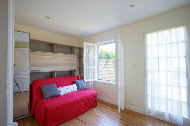 location-vacances-biarritz-ascain-appartement-3-pièces-terrasse-couverte-ensoleillee-012