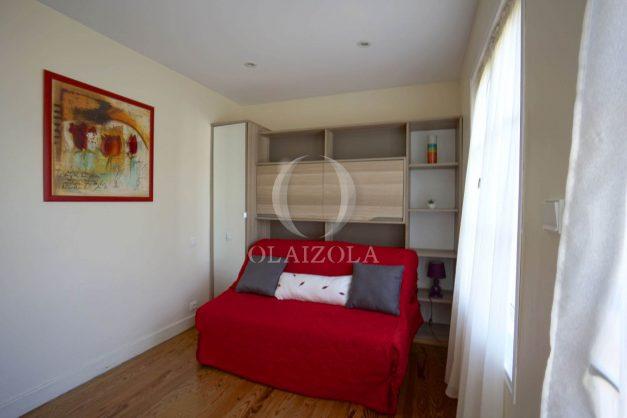 location-vacances-biarritz-ascain-appartement-3-pièces-terrasse-couverte-ensoleillee-013
