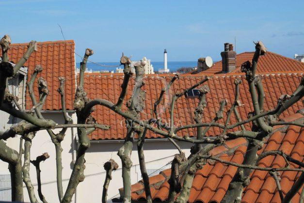 location-vacances-biarritz-centre-ville-balcon-2-chambres-6-personnes-vue-mer-plage-a-pied-001