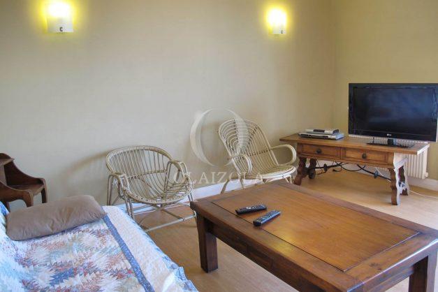 location-vacances-biarritz-centre-ville-balcon-2-chambres-6-personnes-vue-mer-plage-a-pied-002