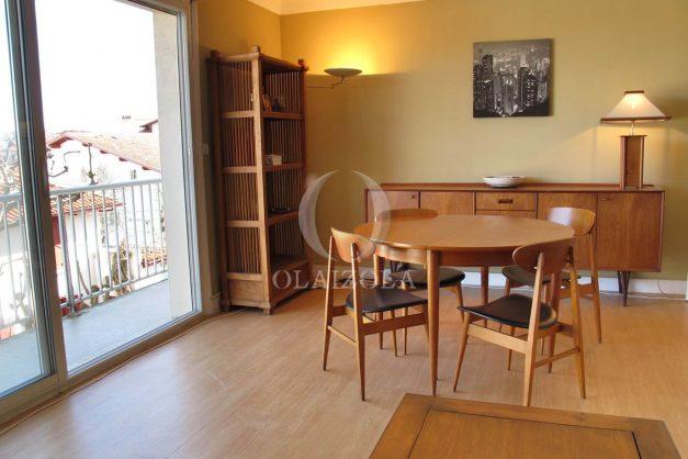 location-vacances-biarritz-centre-ville-balcon-2-chambres-6-personnes-vue-mer-plage-a-pied-005