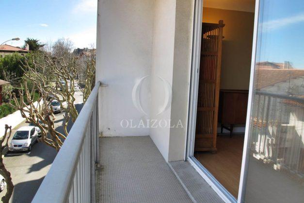 location-vacances-biarritz-centre-ville-balcon-2-chambres-6-personnes-vue-mer-plage-a-pied-007