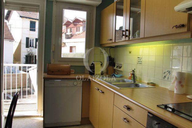 location-vacances-biarritz-centre-ville-balcon-2-chambres-6-personnes-vue-mer-plage-a-pied-009