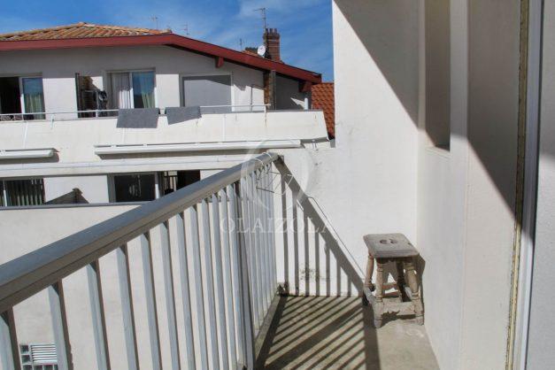 location-vacances-biarritz-centre-ville-balcon-2-chambres-6-personnes-vue-mer-plage-a-pied-010