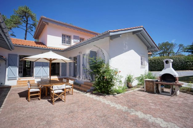 location-vacances-biarritz-villa-mitoyenne-proche-plage-cavalier-anglet-terrasse-barbecue-001