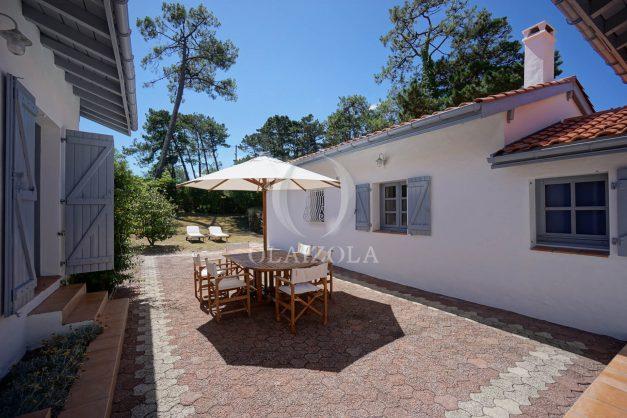 location-vacances-biarritz-villa-mitoyenne-proche-plage-cavalier-anglet-terrasse-barbecue-003
