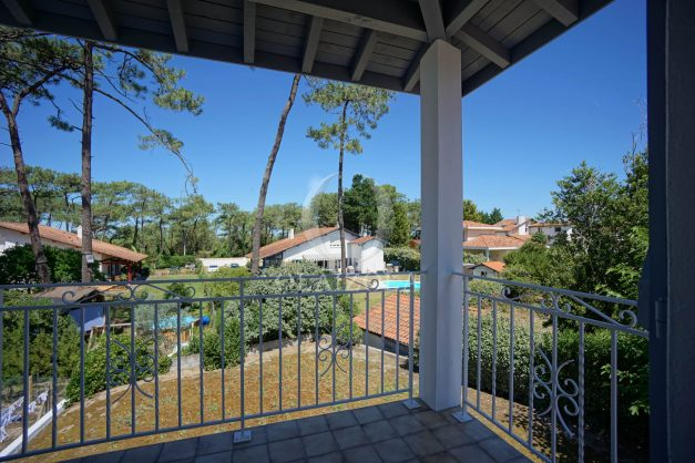 location-vacances-biarritz-villa-mitoyenne-proche-plage-cavalier-anglet-terrasse-barbecue-016